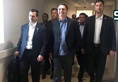 Bolsonaro recebe alta médica e deixa o hospital Albert Einstein