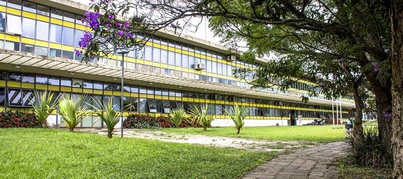 USP cancela matrícula de alunos provenientes de escolas militares