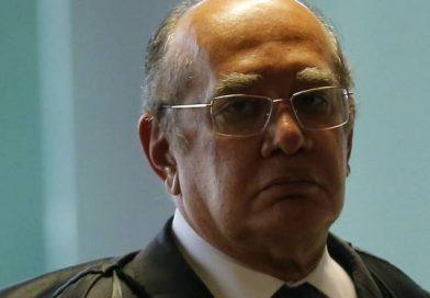 ADVOGADOS ENTRAM COM PEDIDO DE IMPEACHMENT CONTRA GILMAR MENDES