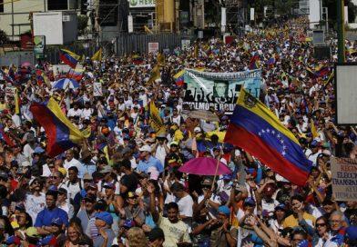 Inflação na Venezuela passou de 2,5 milhões por cento em 12 meses, diz Assembleia Nacional