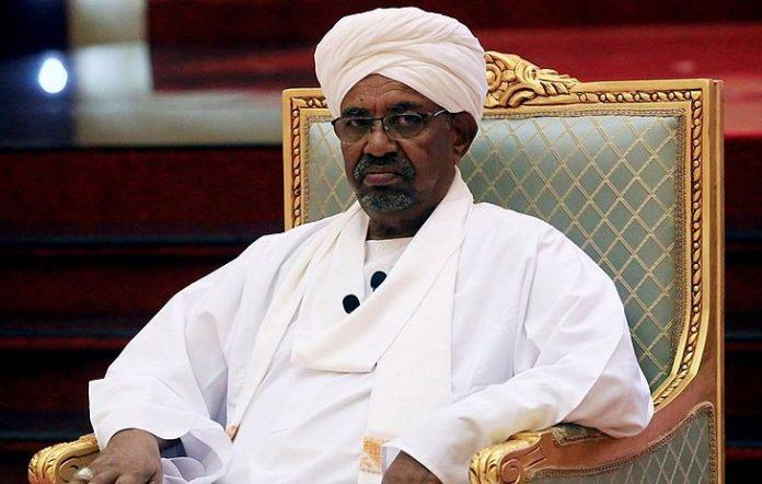 Exército derruba e prende ditador do Sudão que estava a 30 anos no poder