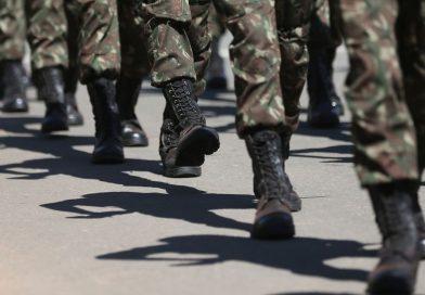 Projeto propõe alistamento militar para as mulheres aos 18 anos