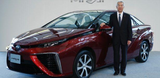 """Toyota quer """"mudar o mundo"""" com Mirai, carro a hidrogênio que emite água"""