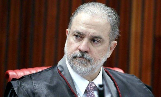 Aras quer retorno de procuradores da Lava-Jato que pediram demissão em protesto contra Dodge