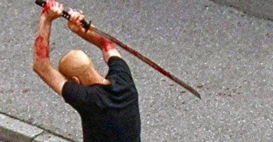 Imigrante palestino esfaqueia e mata homem na rua em plena luz do dia na Alemanha