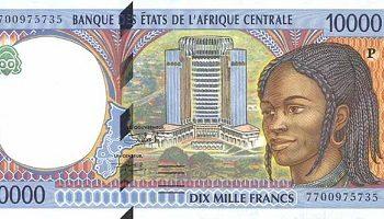 A França explora 15 países africanos até os dias atuais