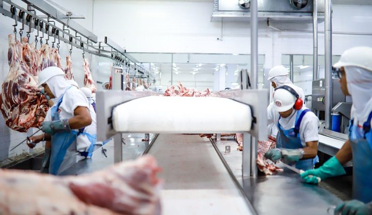 Carne brasileira amplia mercados na Arábia Saudita e China