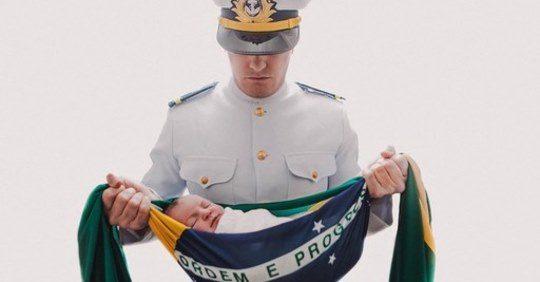 """""""A bandeira representa a proteção aos nossos filhos"""""""