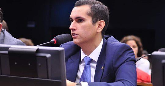 Comissão aumenta o Fundão Sem Vergonha para R$3,8 bilhões, para bancar campanha
