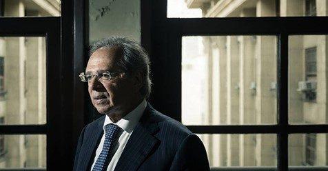 'Vem avalanche de investimentos no ano que vem', diz Guedes