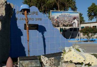 MONUMENTO EM HOMENAGEM AOS 18 MILITARES QUE PERDERAM A VIDA NO HAITI