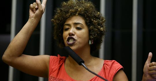 Deputada do PSOL faz postagem exaltando o genocida Lênin