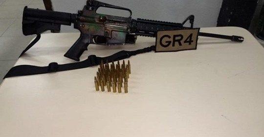 Absurdo! Justiça manda soltar suspeito preso com fuzil e cobra conduta da polícia