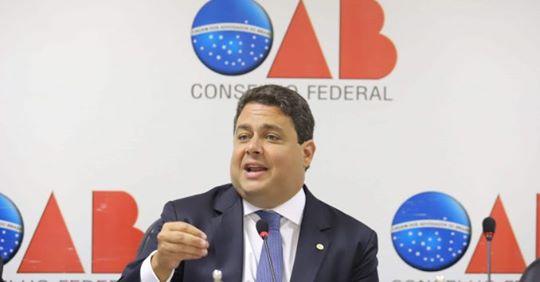 Presidente da OAB sofre primeiro processo e pode cair por impeachment