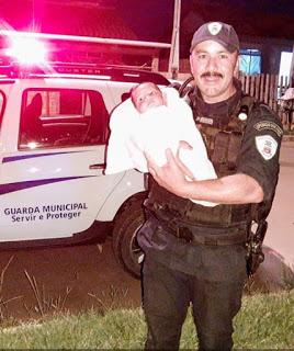 Bebê de 28 dias é salva por Guarda Municipal de Gravataí (RS)
