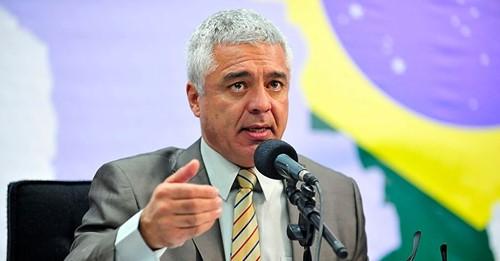 Governo de SP será investigado por compra de aventais de R$ 30 milhões