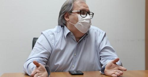 Secretário de Saúde toma Ivermectina para prevenir covid e admite usar hidroxicloroquina