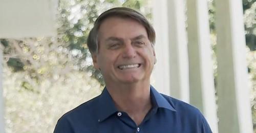 """Bolsonaro: """"Obrigado a todos aqueles que oraram e torceram por mim"""""""