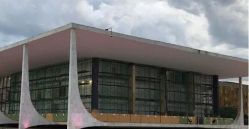 STF troca vidros do prédio na Praça dos Três Poderes a R$ 4 milhões