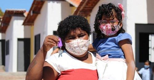 Governo Bolsonaro entrega 499 casas e inaugura sistema de esgotamento sanitário em Floriano (PI)