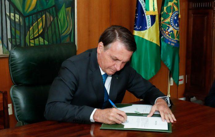 Governo Federal anula mais de 3 mil atos inúteis
