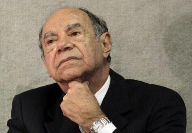 Brilhante Ustra 'foi um homem de honra', diz Mourão