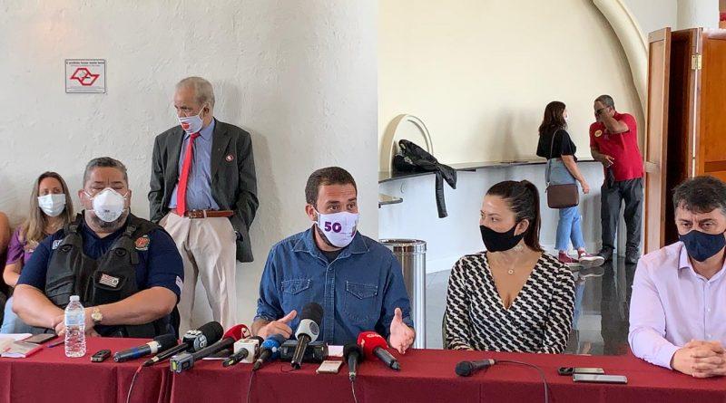 Sindicato dos Delegados de Polícia recebe o candidato Boulos