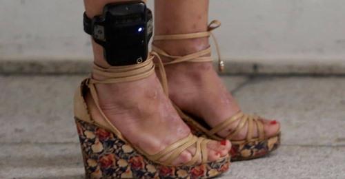 Para juiz, uso de tornozeleira no semiaberto prejudica reinserção ao mercado de trabalho