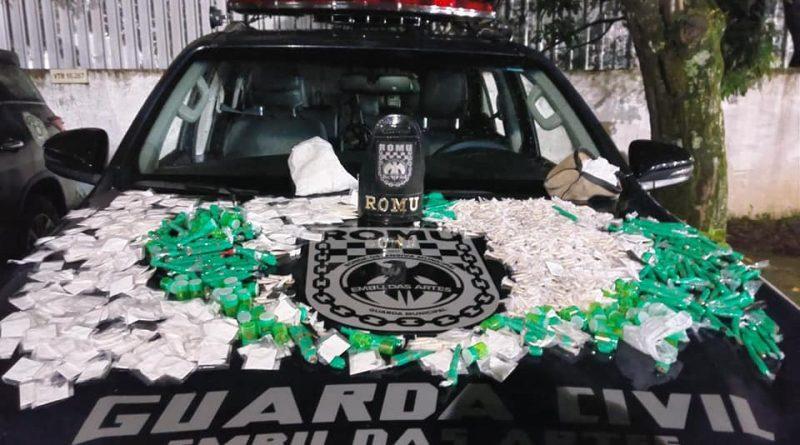 ROMU EMBU DAS ARTES-SP OCORRÊNCIA DE TRÁFICO DE DROGAS