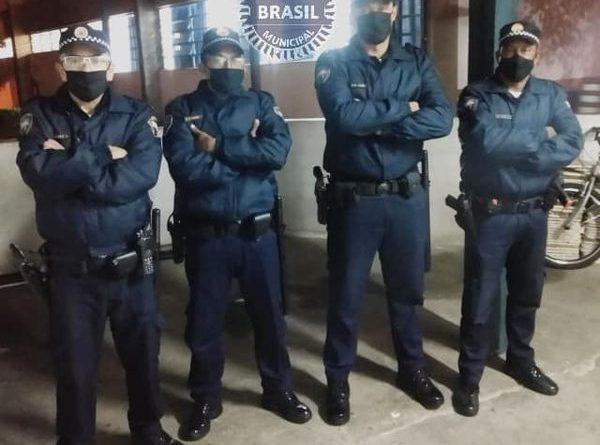 ESTRANGEIROS SÃO PRESOS APÓS ROUBO DE CELULAR